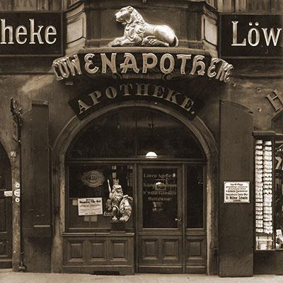 historische Löwen Apotheke
